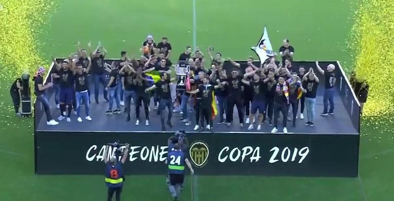 Celebración de la COPA. Llegada a Manises y MESTALLA (26-05-19) (Tot futbol) (À Punt) (HDTV) 1