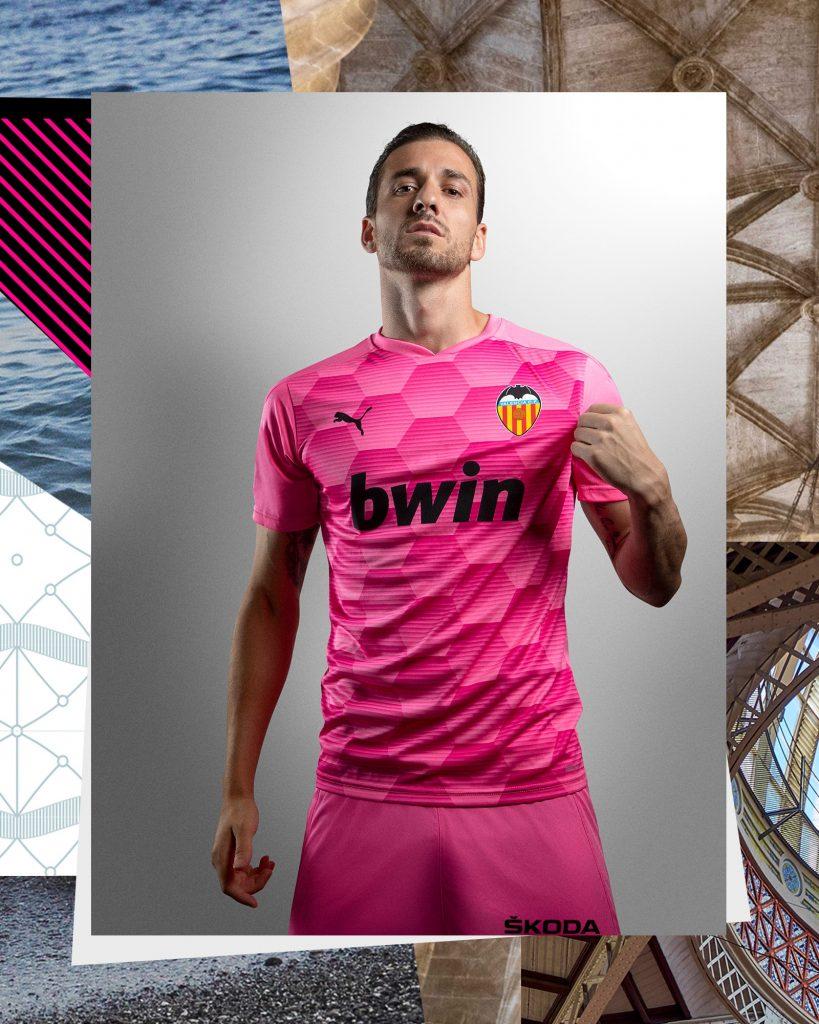 Presentación oficial de las camisetas del VCF y PUMA para la temporada 2020/2021 (Incluye Vídeos) 2